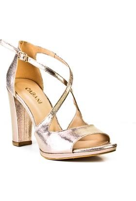 Cabani 12 cm Topuklu Çapraz Detaylı Günlük Kadın Ayakkabı Altın Deri