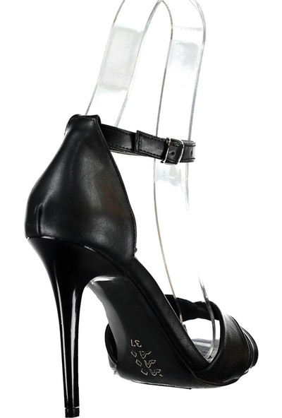 Fox Shoes Siyah Kadın Topuklu Ayakkabı B922113709