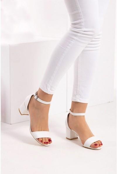 Fox Shoes Beyaz Kadın Topuklu Sandalet B922631009