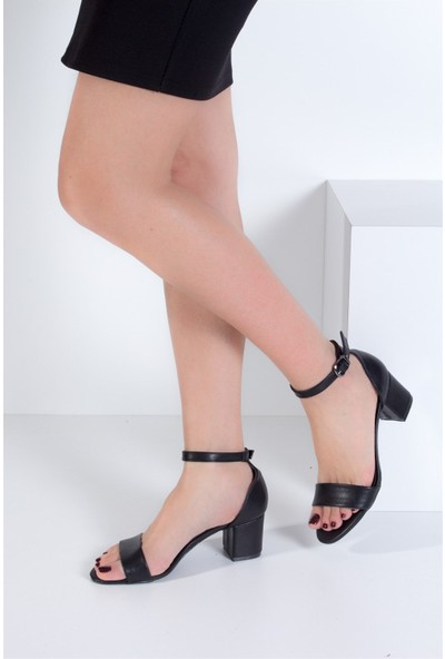 Fox Shoes Siyah Kadın Topuklu Sandalet B922631009