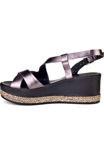 Cabani Dolgu Topuk Günlük Kadın Sandalet Füme Deri
