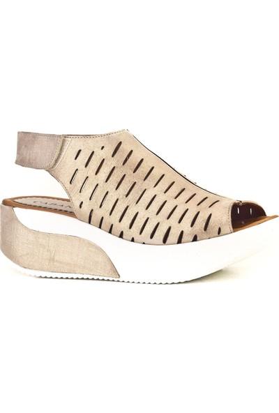 Cabani Dolgu Topuk Günlük Kadın Sandalet Altın Deri