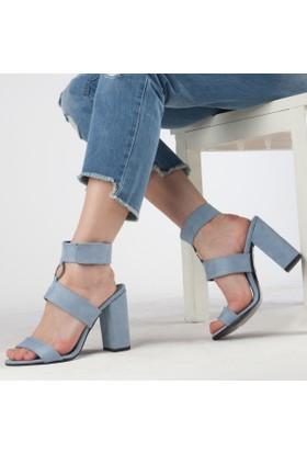 Düzgün Kadın Topuklu Sandalet