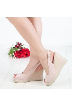 Filiz Kadın Dolgu Topuklu Sandalet