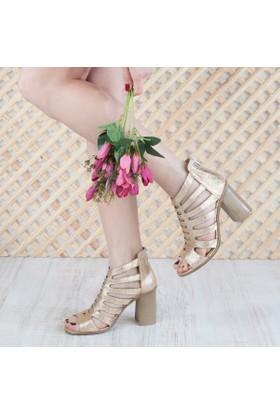 Yarımelma Kadın Topuklu Sandalet