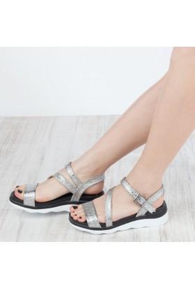 Yarımelma Kadın Düz Sandalet