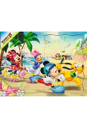 Woody Minnie ve Mickey Mouse Paten Yarışı (12 Parça Ahşap Yapboz)