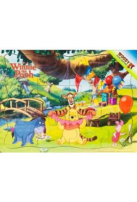 Woody Winni The Pooh ve Arkadaşları Piknikte 12 Parça Ahşap Yapboz
