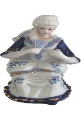 Dilşen Porselen Oturan Kadın Biblo