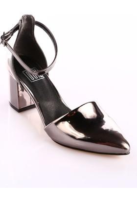 Dgn 587 Kadın Bilekten Bağlı Parmak Dekolteli Sivri Burun Topuklu Ayakkabı Nikel Ayna