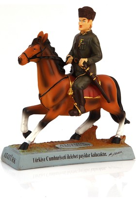 Kahraman Atatürk At Üstünde