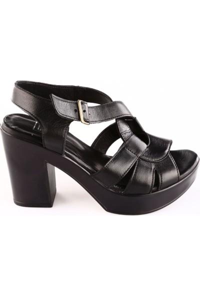 Dgn 7040 Kadın Bilekten Bağlı Takunya Taban Deri Sandalet Siyah