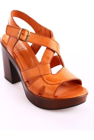 Dgn 7040 Kadın Bilekten Bağlı Takunya Taban Deri Sandalet Taba