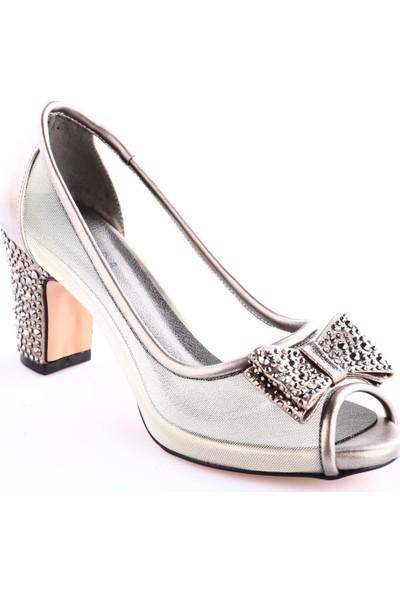 Dgn 8216 Kadın Burnu Açık Kurdelalı Yanı Transparan Kalın Topuklu Ayakkabı Platin