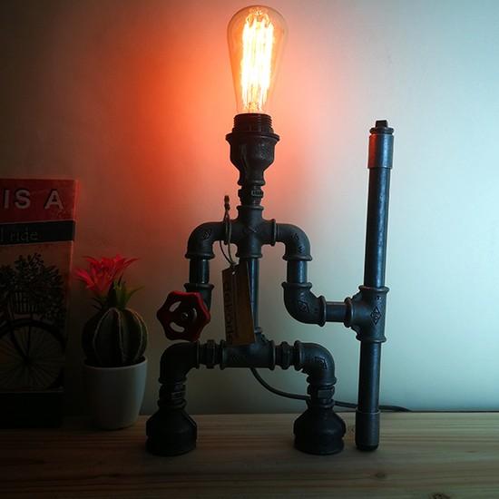 Dekorle Asası Elinde Model Masa Lambası - DL01117