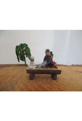 Green Wood Teraryum Malzemeleri Bankta Çift 1 Minyatür Obje