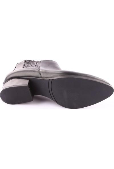 Dgn 419251 Kadın Kesik Topuk Chelsea Bot Siyah