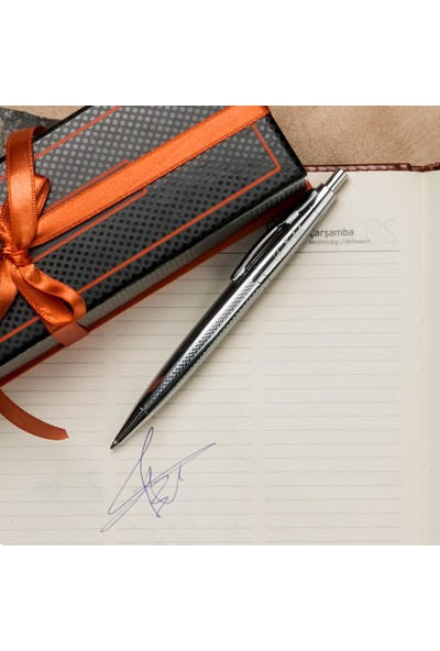 Hediye Sepeti İsme Özel Metalik Gri Renkli Tükenmez Kalem