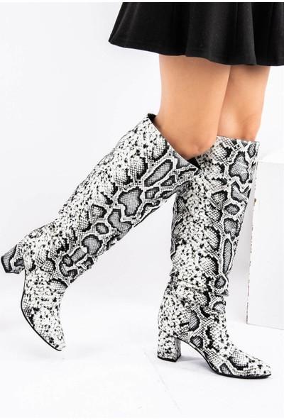 Fox Shoes Siyah Beyaz Kadın Çizme E654045307