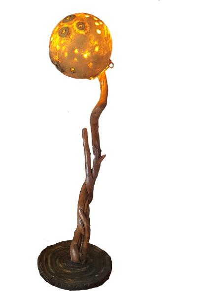 Larya Design Ay Işığı Ahşap Yer Lambası. Cesur Dekorasyonlar İçin Eşsiz Bir Lambader