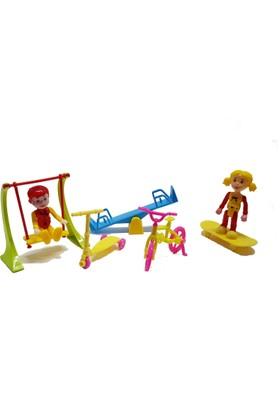 Kayyum Oyuncak Parkta Oynayan Çocuklar Eğlence Seti