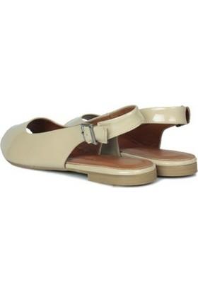 Erkan Kaban 231003 320 Kadın Ten Rugan Sandalet
