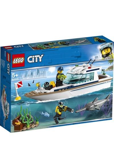 LEGO City 60221 Dalış Yatı