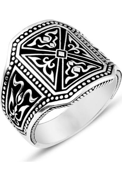 Nereze 925 ayar Gümüş Kalkan Motifli Erkek Gümüş Yüzük