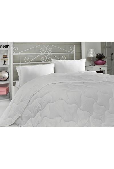 Komfort Home Çift Kişilik Microfiber Yorgan Seti + 2 Yastık