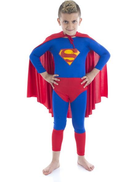 Tülü Akkoç Süperman Kostümü