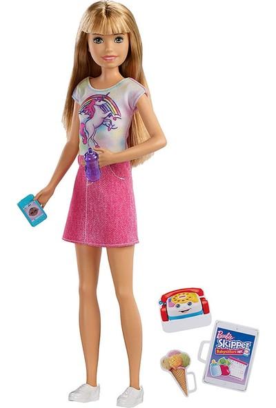 Barbie Bebek Bakıcısı Barbie Bebekler FHY89-FXG91