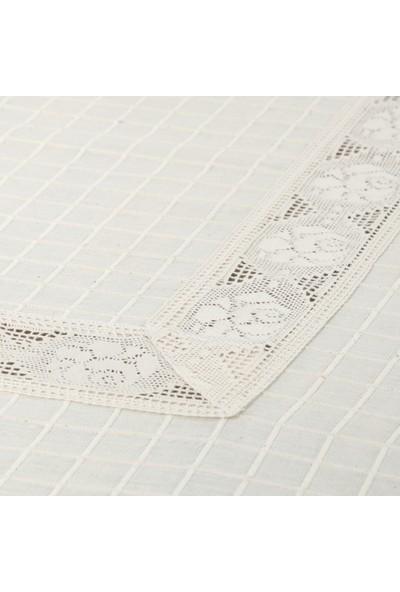 Orta Dantelli Masa Örtüsü 140x180 Cm