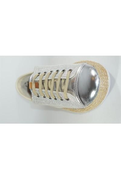 Freefoot 00121 Gümüş - Bej Kadın Bağlı Günlük Ayakkabı