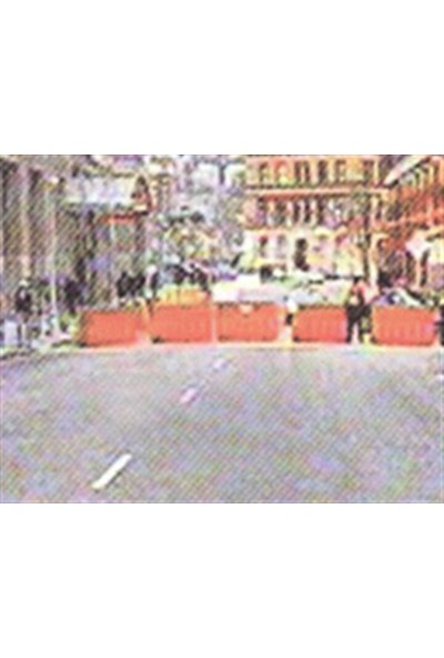Polmersan Yol Bariyeri Kırmızı 150 X 50 X 50 Cm