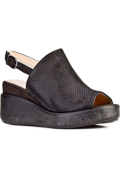 Cabani Dolgu Topuklu Tokalı Günlük Kadın Sandalet Siyah Deri