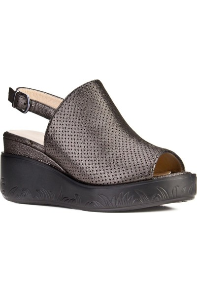 Cabani Dolgu Topuklu Tokalı Günlük Kadın Sandalet Antrasit Deri