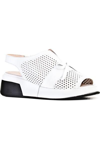 Cabani Lazer Detaylı Dolgu Taban Fiyonklu Günlük Kadın Sandalet Beyaz Deri