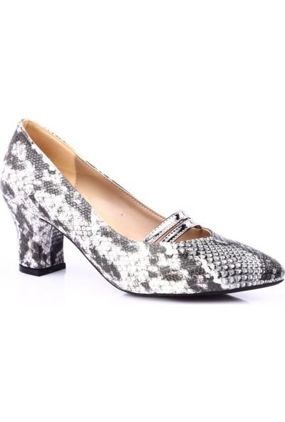 Dgn 601 Kadın Sivri Burun Topuklu Ayakkabı Siyah Yılan