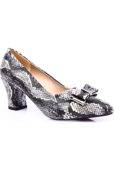 Dgn 604 Kadın Sivri Burun Önü Kurdeleli Topuklu Ayakkabı Siyah Yılan