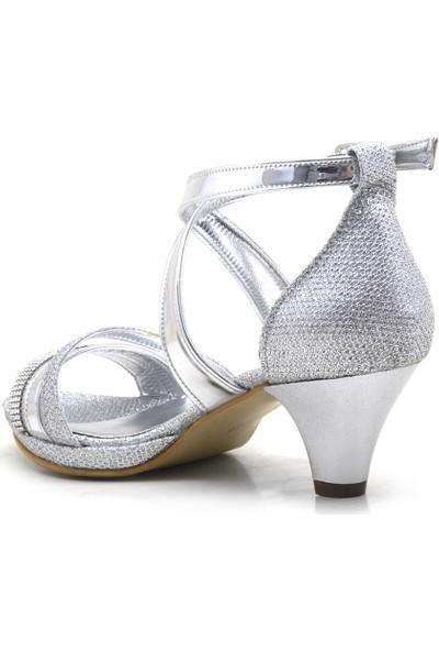 Sarıkaya Taşlı Gümüş Topuklu Kız Çocuk Abiye Ayakkabı