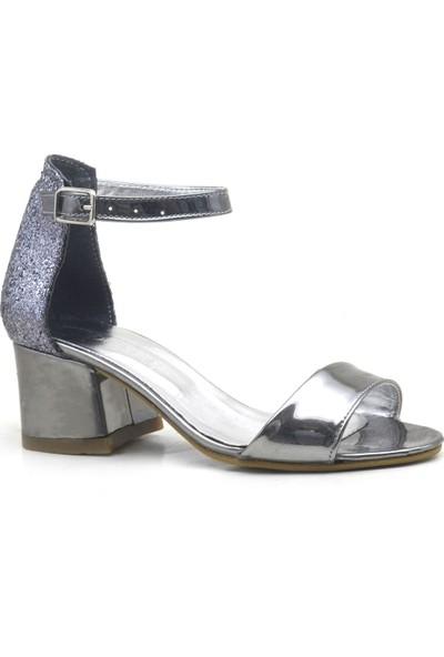 354ada17a3abf Sarıkaya Platin Aynalı Kalın Topuklu Kız Çocuk Abiye Ayakkabı ...