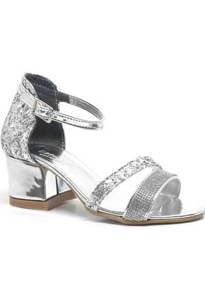 Sarıkaya Gümüş Simli Kalın Topuklu Bantlı Kız Çocuk Abiye Ayakkabı
