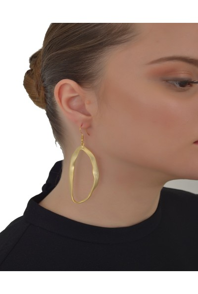 Labalaba Kadın Altın Renk Kaplama Asimetrik Küpe
