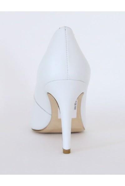Butigma Beyaz Deri Üçgen Kesim Sivri Burun Topuklu Ayakkabı - Kadın