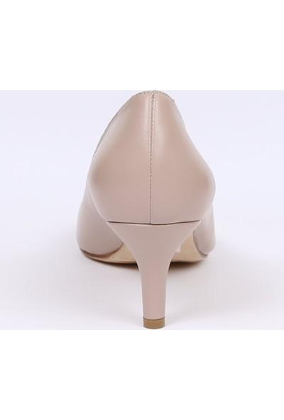 Butigma Bej Deri Kısa Boy İnce Topuklu Ayakkabı - Kadın