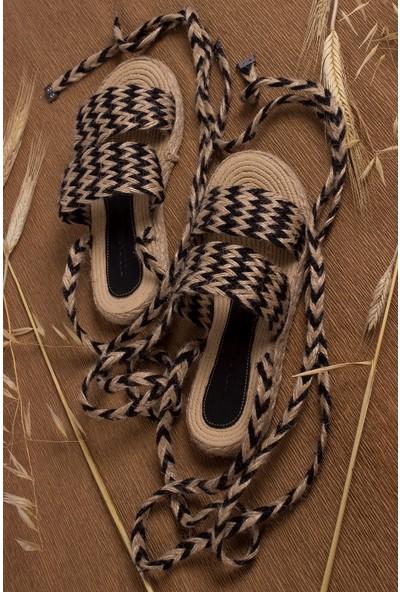 Tarçın Günlük Bej Siyah Kadın Sandalet Ayakkabı TRC21-0095