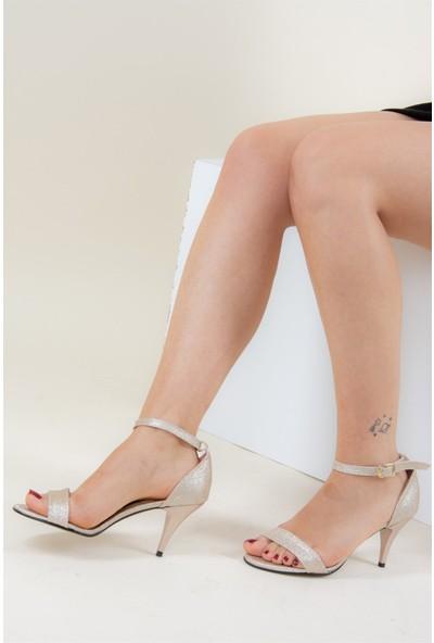 Fox Shoes Altın Kadın Topuklu Ayakkabı D340040046