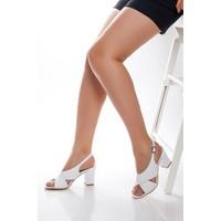 Tarçın Hakiki Deri Klasik Beyaz Günlük Kadın Topuklu Ayakkabı Trc71-0100