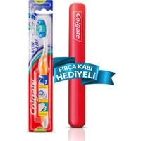 Colgate Üçlü Etki Diş Fırçası Orta + Fırça Kabı Hediyeli
