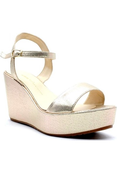 Esstii 400 Kadın Dolgu Topuklu Sandalet
